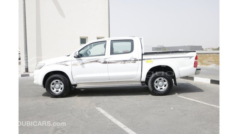 Big with watermark toyota hilux boaco import dubai 3733
