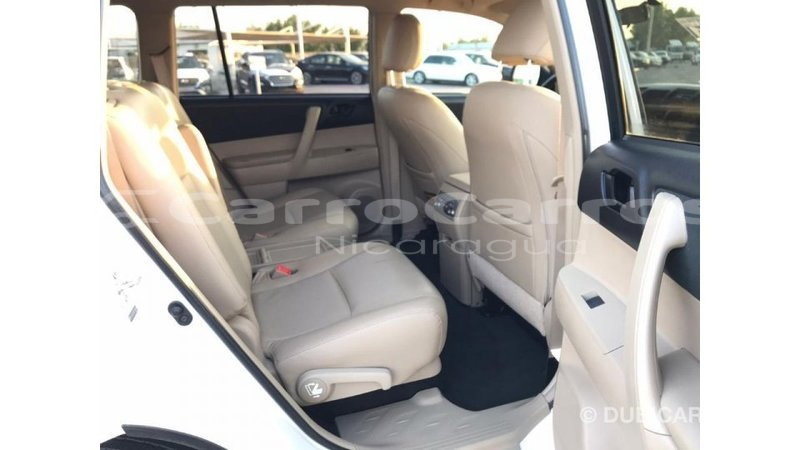 Big with watermark toyota highlander boaco import dubai 4013